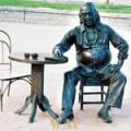 AGUARDO SEUS TEXTOS PARA FAZER O PRÓXIMO LETRAS TAQUARENSE: http://letrastaquarenses.blogspot.com.br; curta o busto de Vinicius de Morais