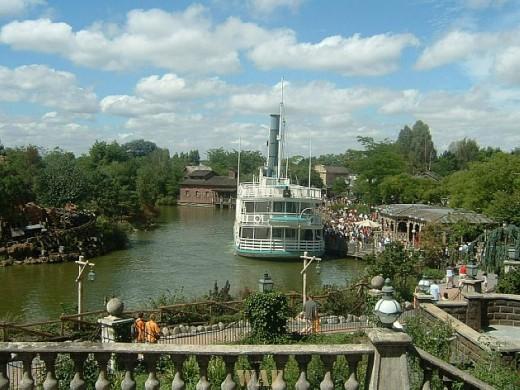 Disneyland - subir o rio